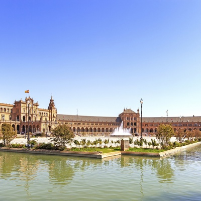 Escape from the routine and enjoy Sevilla! San Pablo Sevilla
